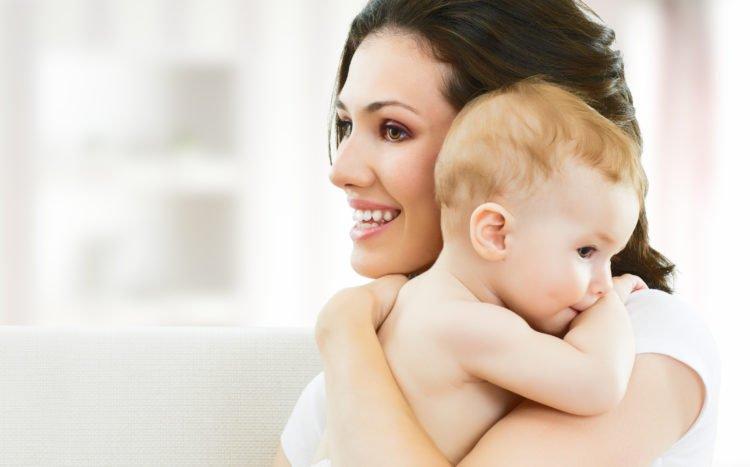 Những cáchchăm trẻ sơ sinh cùng lưu ý cho các mẹ