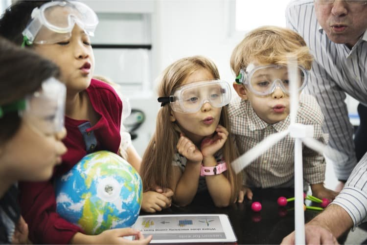 Phương pháp dạy trẻ tự lập từ nhỏ từ những bậc cha mẹ thời nay