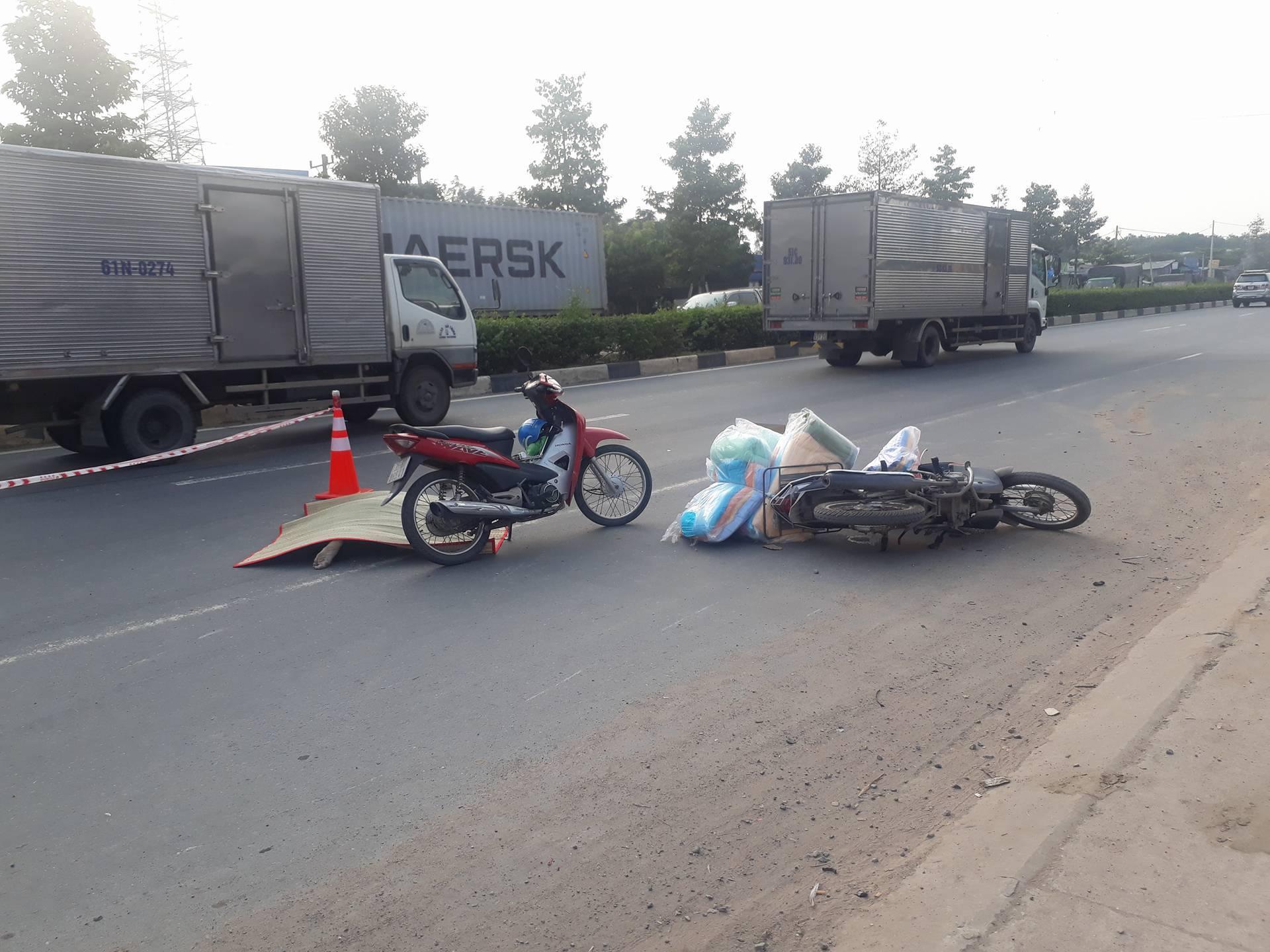 2 xe máy kéo lê nhau, thanh niên không đội mũ bảo hiểm tử vong tại chỗ